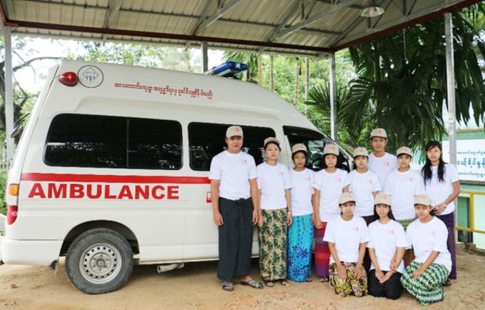 YIC members manage the ambulance service in Sarmalauk.