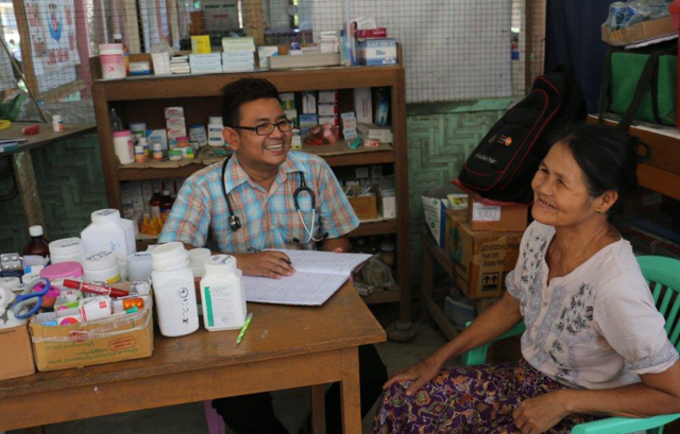 Dr Kyaw and his mobile clinic give displaced women in Kachin access to maternal health care, contraceptives, and gynaecological check-ups.