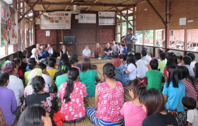 UNFPA donors meet with women and girls who are displaced by armed conflict in Kachin.